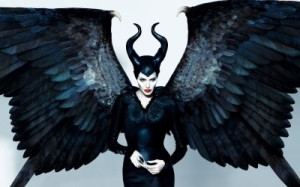 Angelina-Jolie-as-Maleficent-Wallpaper-400x250
